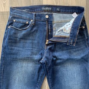 🍀 Lucky Brand 221 Straight Jeans